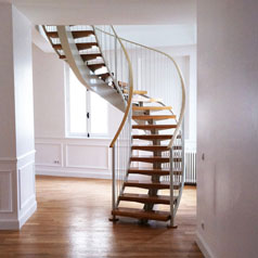 Escalier-Rehabilitation-Logement-Commerce-Haussmanien-Swisslife-Paris9-Atela-Architectes